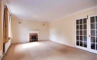 Hall Place Drive, Weybridge, Surrey, KT13