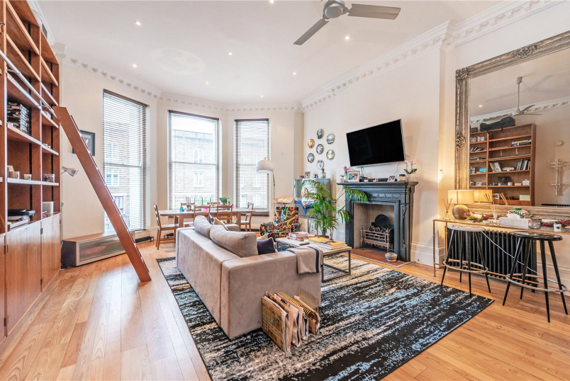 Flat/apartment for sale in Notting Hill - Powis Square, London, W11