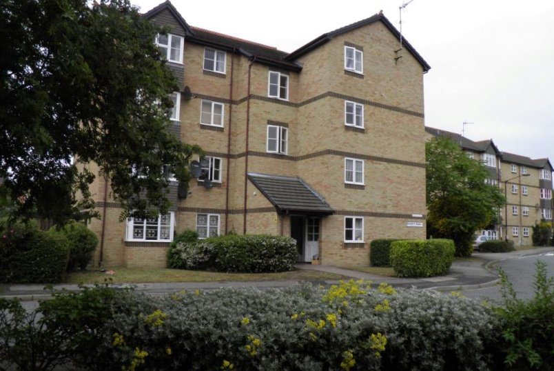 Flat/apartment to rent in Surrey Quays - Toulouse Court, Rosetti Road, SE16