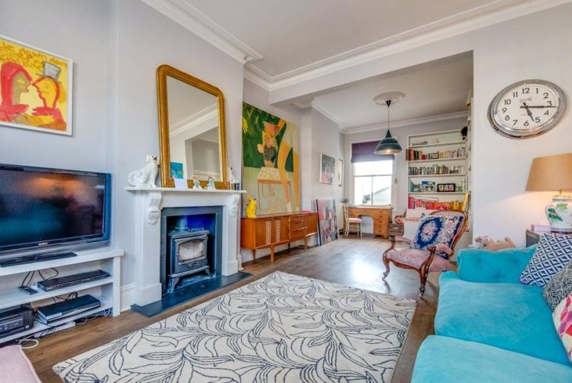 House to rent in Kensal Rise & Queen's Park - Crediton Road, London, NW10