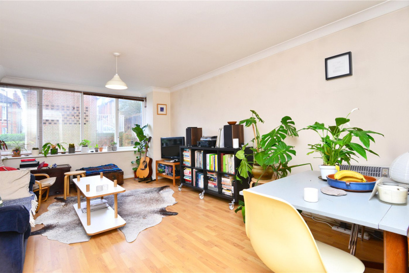 Flat/apartment to rent in Dulwich - Overhill Road, East Dulwich, SE22