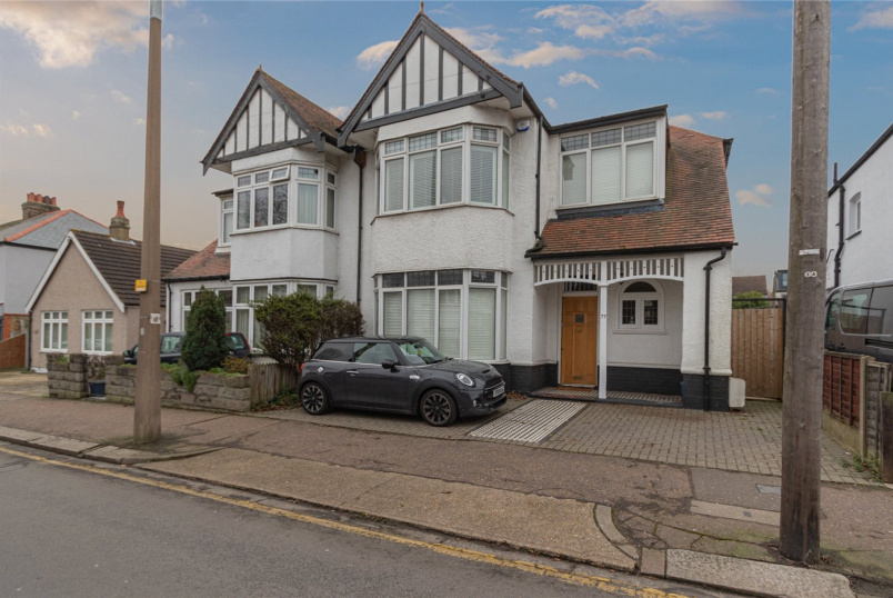 House for sale in  - Station Road, Leigh-on-Sea, Essex, SS9