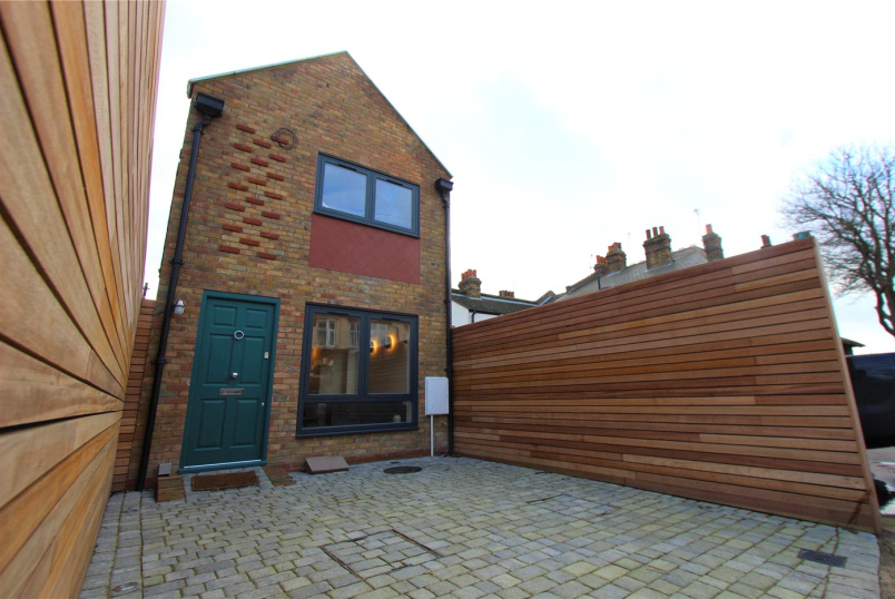 House for sale in  - Pall Mall, Leigh-on-Sea, Essex, SS9