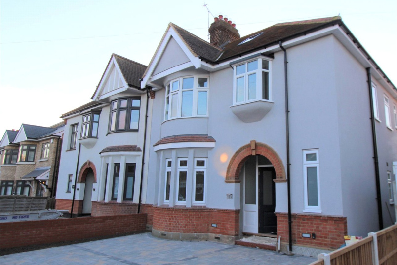 House for sale in  - Salisbury Road, Leigh-on-Sea, Essex, SS9