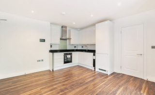 Godalming Town Centre - BRAND NEW APARTMENT.