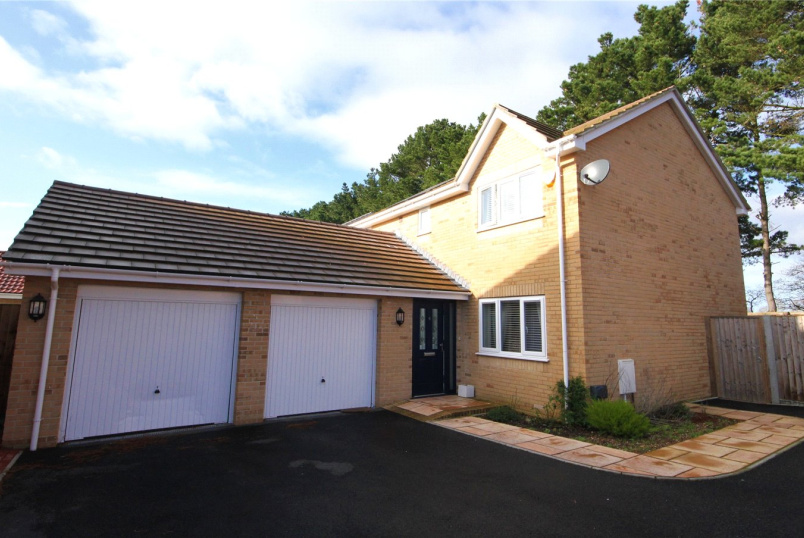 House for sale in Highcliffe - Larkspur Close, Hoburne Farm, Highcliffe-On-Sea, BH23