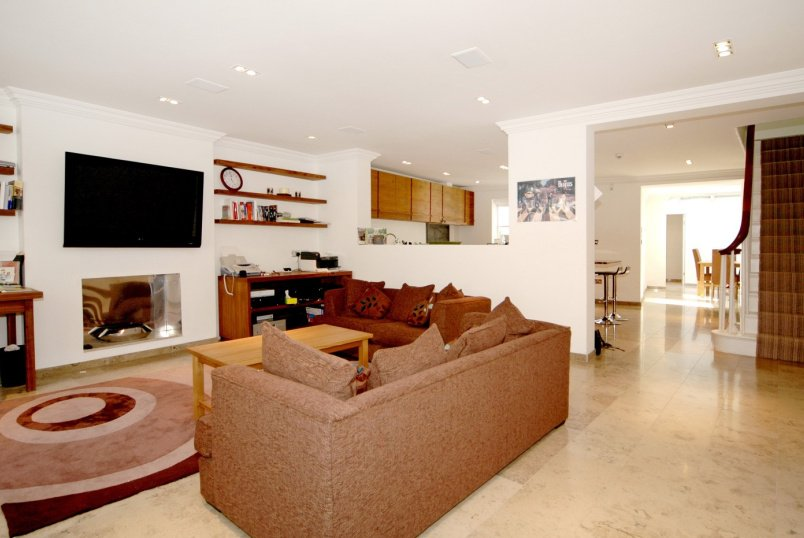 Flat to rent in St Johns Wood - ALMA SQUARE, NW8 9QA