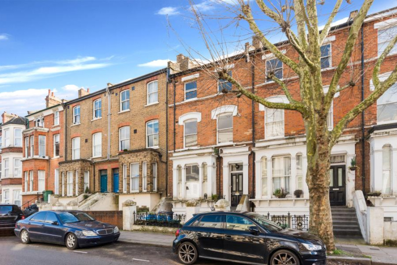 Apartment for sale in St Johns Wood - IVERSON ROAD, WEST HAMPSTEAD, NW6 2HE