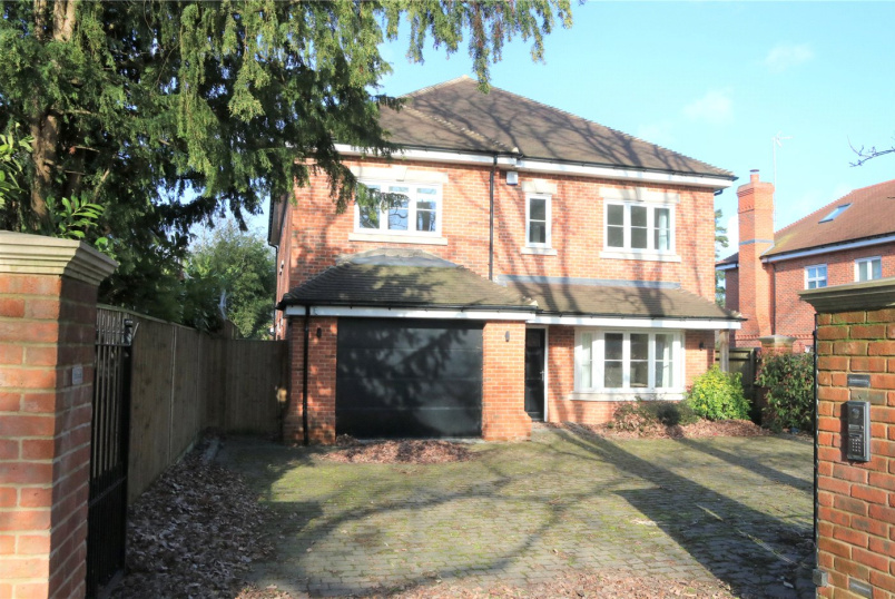 House to rent in Reading - Chestnut Avenue, Wokingham, Berkshire, RG41