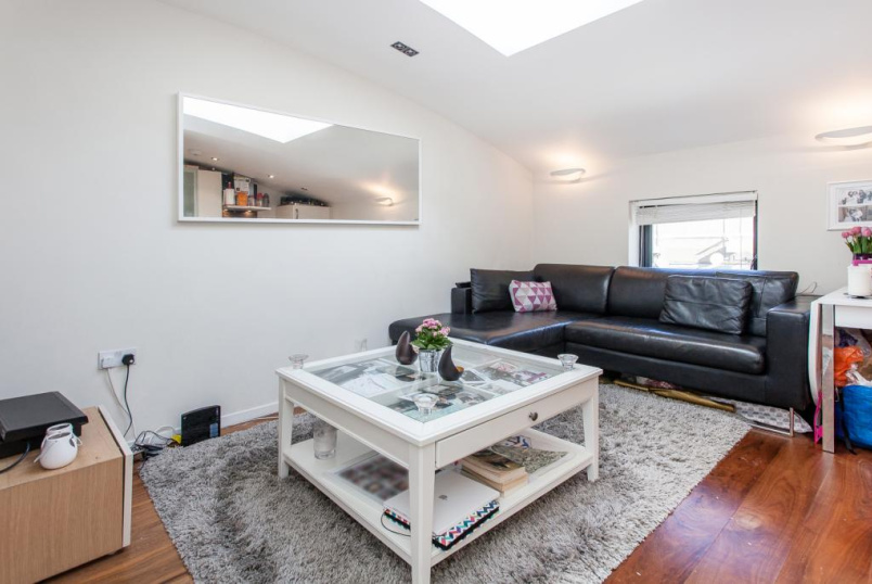Flat/apartment to rent in Highbury - Burder Road, Dalston, N1