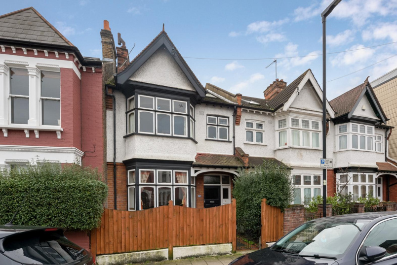 House - terraced for sale in Clapham - VOLTAIRE ROAD, SW4