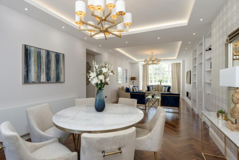 Apartment for sale in St Johns Wood - NORTH GATE, PRINCE ALBERT ROAD, NW8 7EJ