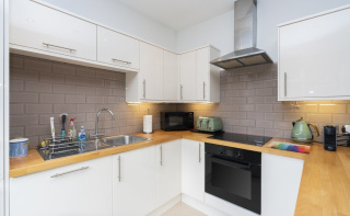 Stunning apartment with over 1000 sq ft accommodation in centre of Dorking