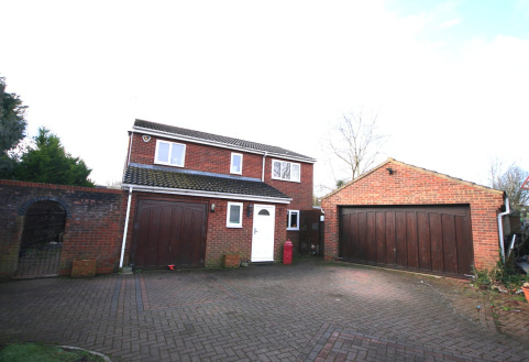 Rothersthorpe Road, Far Cotton, Northampton, NN4
