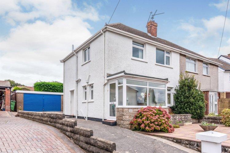 3 Bedroom Property For Sale In Mayflower Avenue Llanishen Cardiff 280 000