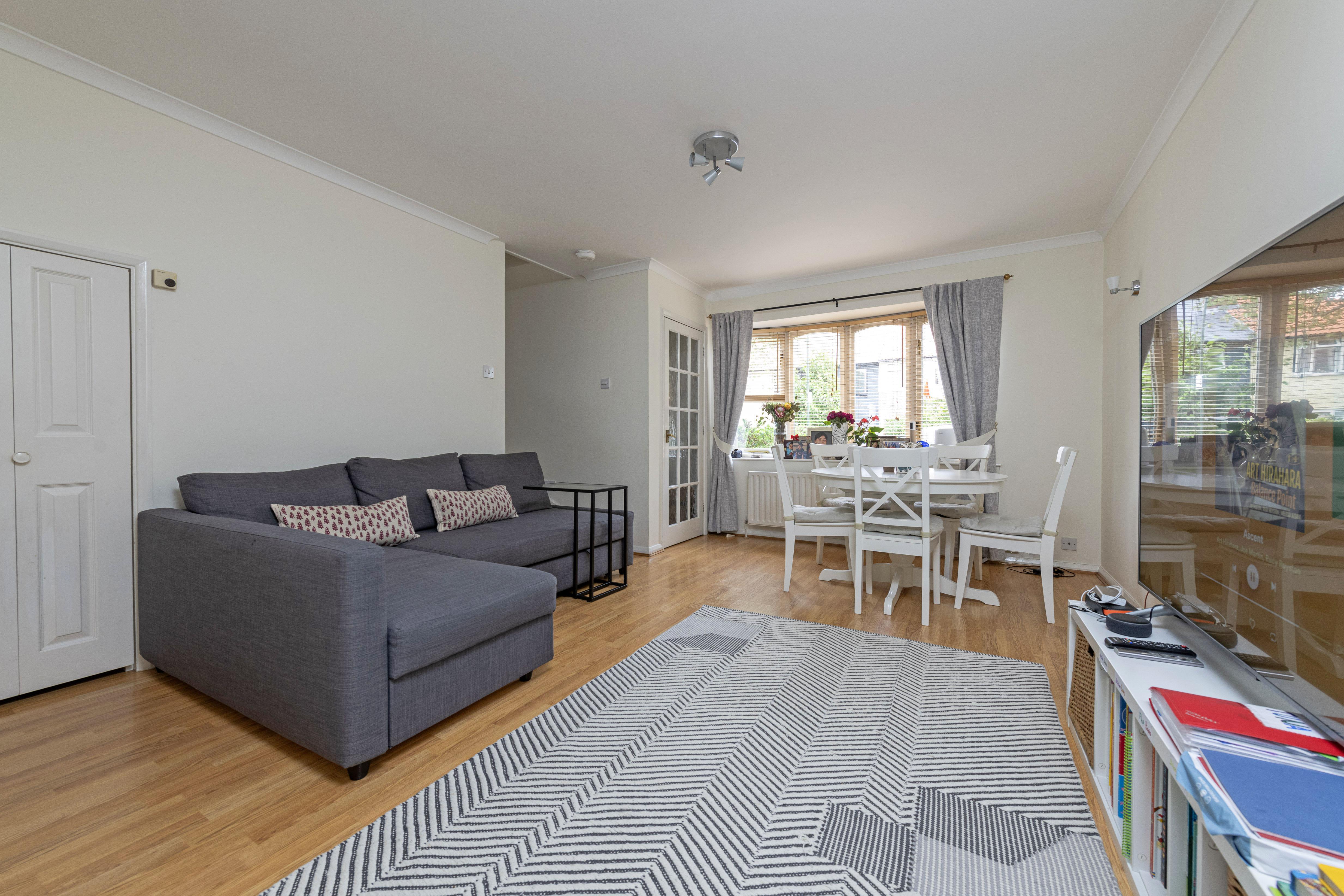 2 bedroom property in Stillingfleet Road, Barnes, SW13 9AG ...