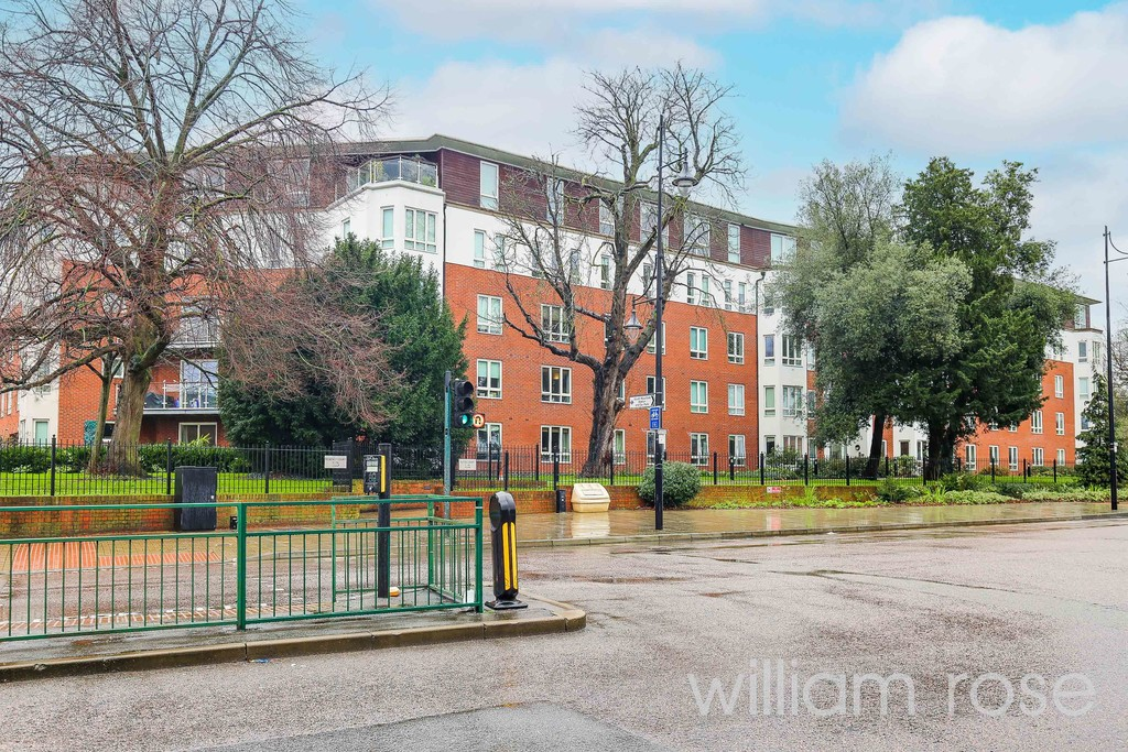 Regency Court, High Road, South Woodford, London Image 10