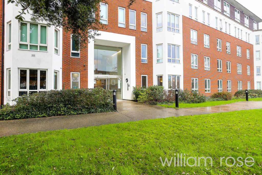 Regency Court, High Road, South Woodford, London Image 18