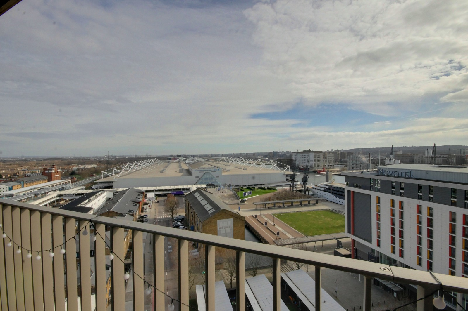 Royal Docks West, 12 Western Gateway, E16 1YY Image 18