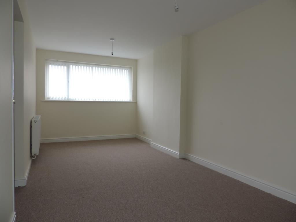 Chesterfield Court, Gedling Image 4